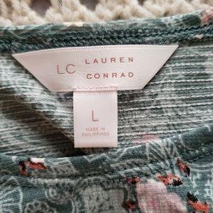 LC Lauren Conrad Tops - NWT💞LAUREN CONRAD RUFFLE COLD SHOULDER BOHO TOP💞